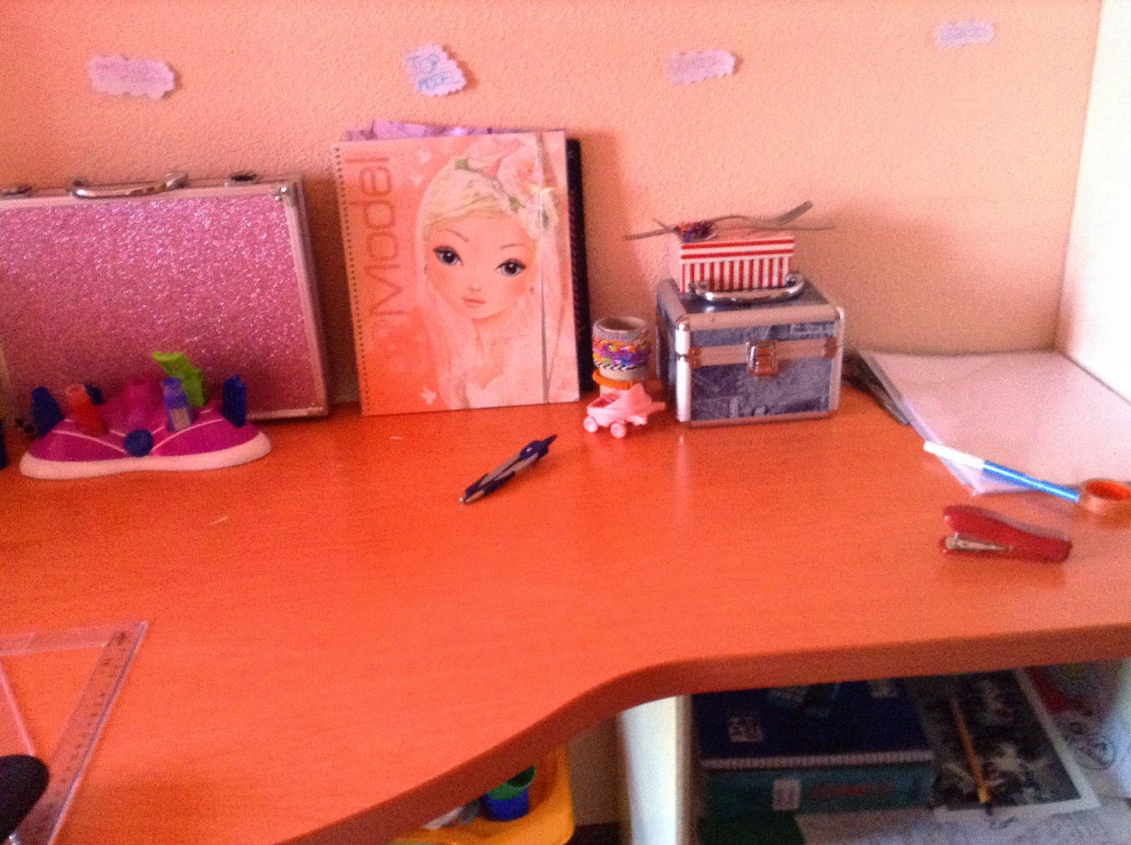 Manualidades para mu ecas como decorar tu cuarto bonito for Como decorar una torta facil y rapido