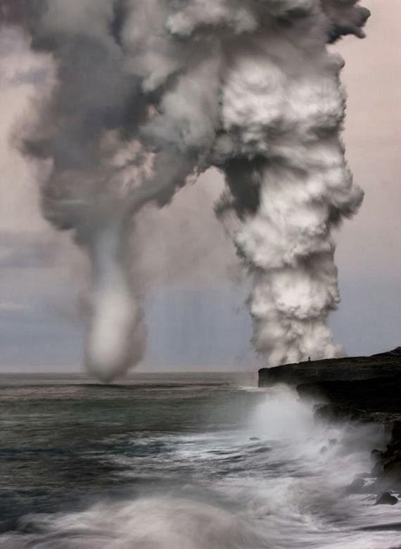 Ganas - gambar bencana alam yang serius mengingatkan mati