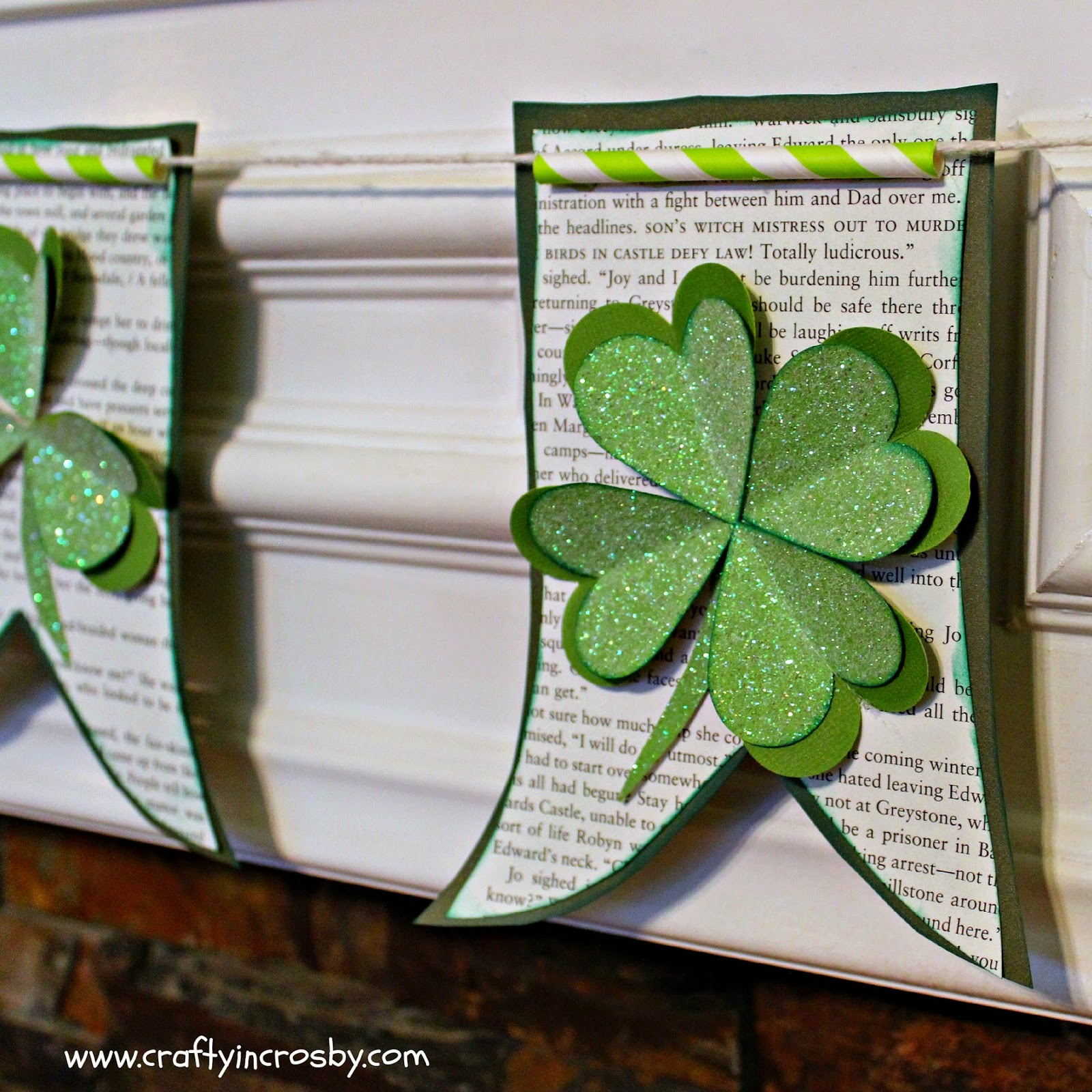 Interchangeable Wreath, March 17, St. Paddy's Day, St Patricks Day, Easy Holiday Decorating, Banner,