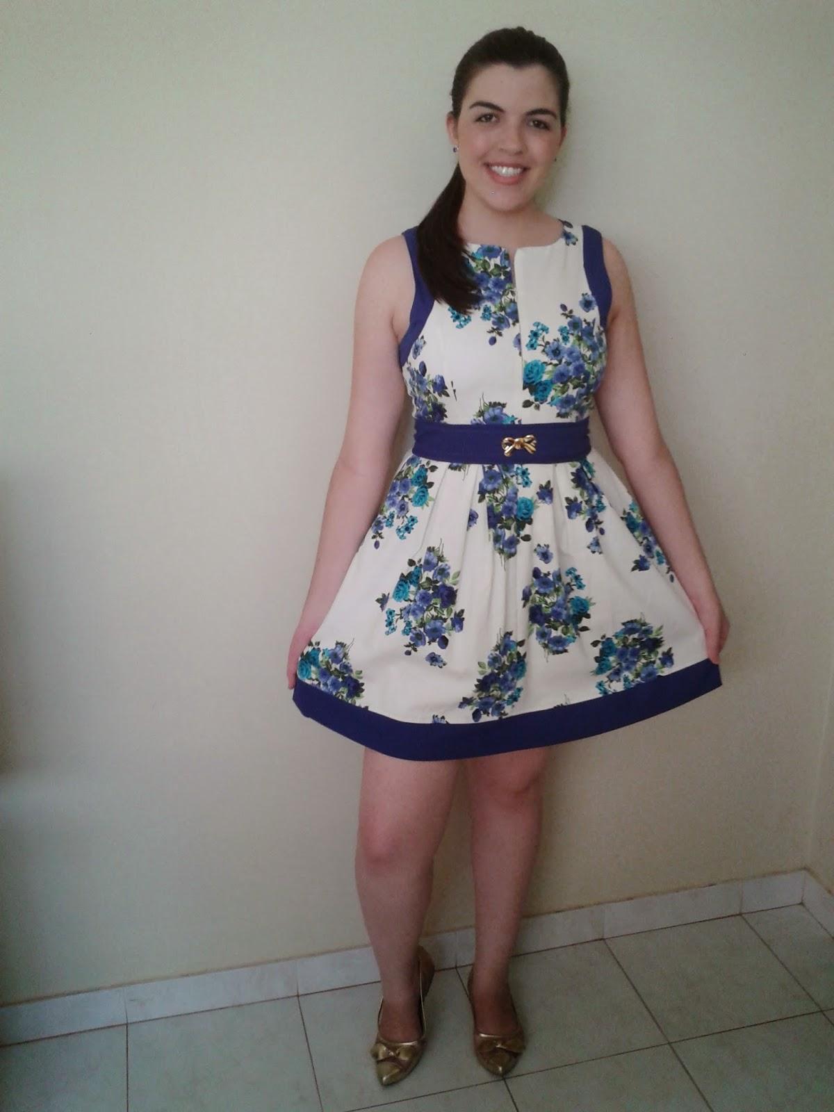 0104dff5d1a15 Look do dia   Vestido Azul Florido !