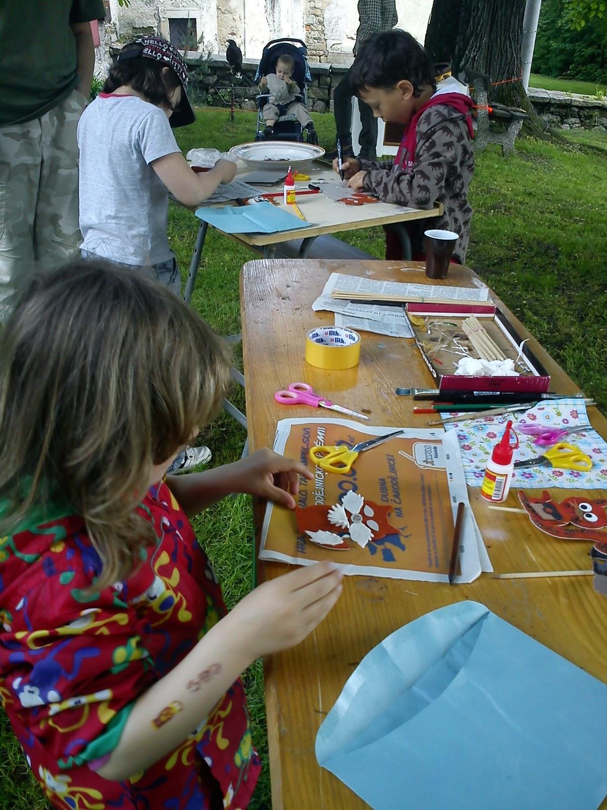 Dětský den na Krásné 2013 - venkovní dílničky