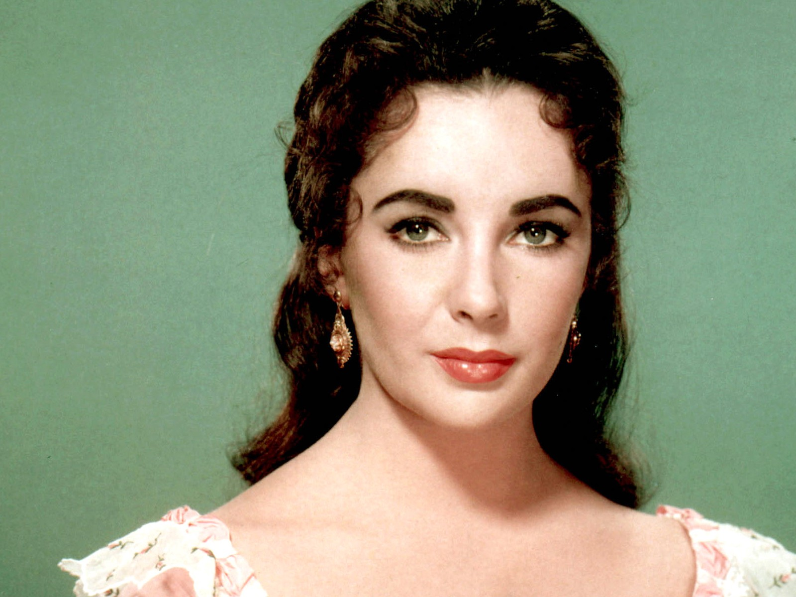 http   www youtube com watch  v 6v22Fzi78i8Elizabeth Taylor Eyes