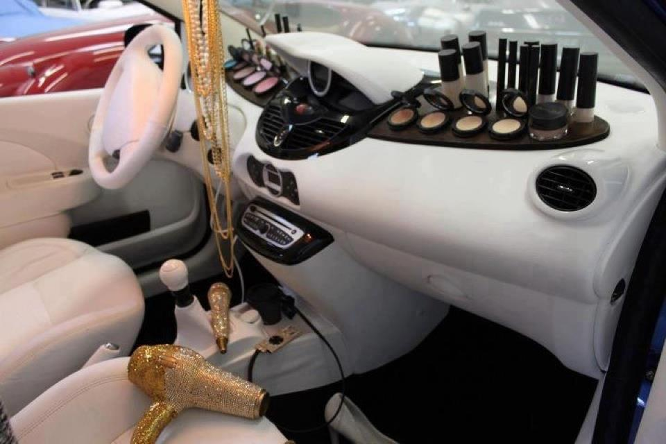 Licence to speed for malaysian automotive women 39 s dream car for Accessoire voiture interieur