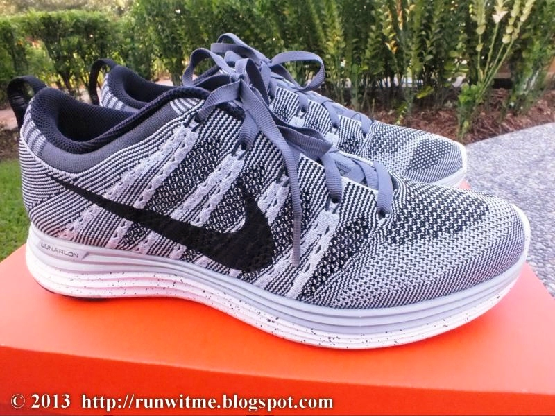 Review: Unboxing of Nike Flyknit Lunar1+ Running Shoes