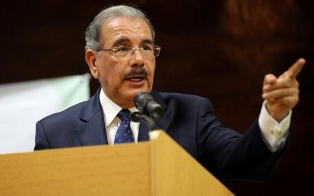 Empresarios piden a Danilo Medina quite ministros en campaña presidencial