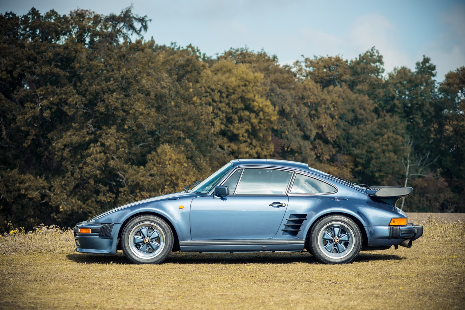 First And Last Porsche 930 Turbo Se Flatnose Coupes For The Uk Head To Auction Block Carscoops