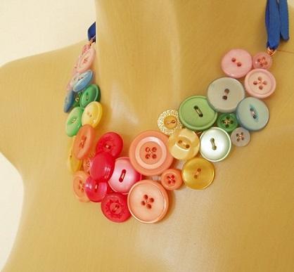 con nuestra imaginacin podemos crear hermosos collares para mama cmo ste de botones super original