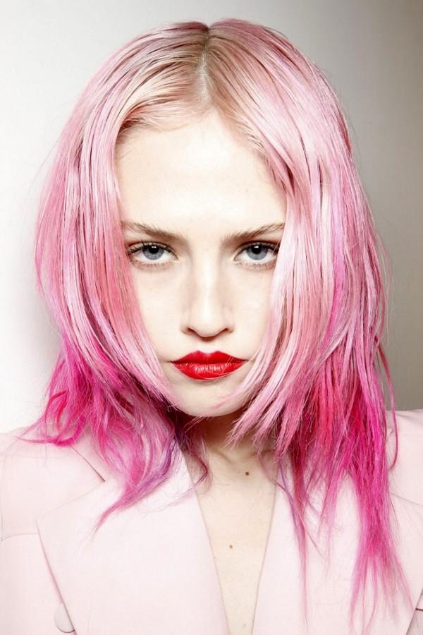 Color rosa para pelo corto