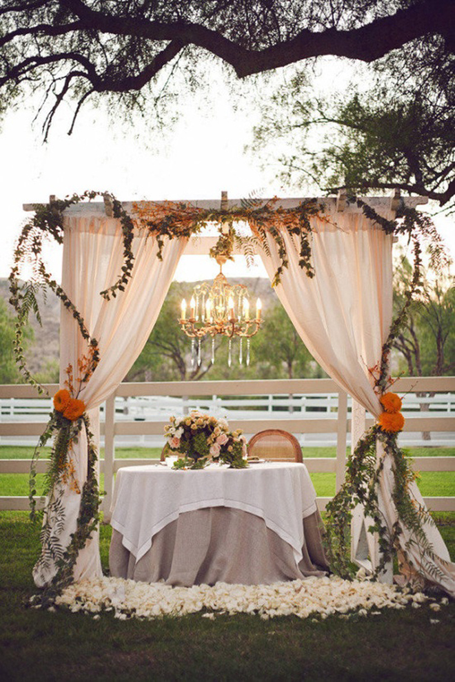 Bride Groom Wedding Table Ideas : Sweetheart table ideas belle the magazine