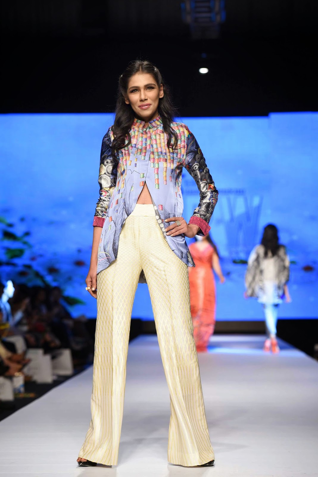 white flared pants sania maskatiya TFPW15