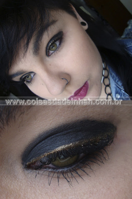 make olho preto delineado pigmento dourado