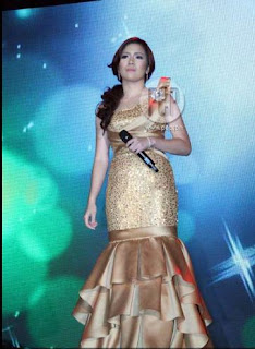 Angeline Quinto gold gown