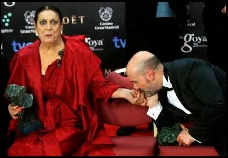 Terele Pávez y Javier Cámara, Goyas a mejor actriz de reparto (Las brujas de Zugarramurdi) y actor (Vivir es fácil...)