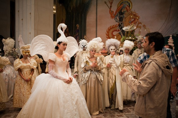 The touch of whimsy mirror mirror costumes snow for Mirror 2 full movie