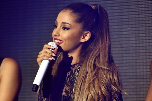 Ariana Grande publicó adelantos de su nuevo EP