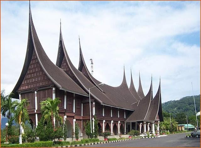 rumah unik di indonesia