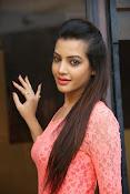 diksha panth sizzling pics-thumbnail-18