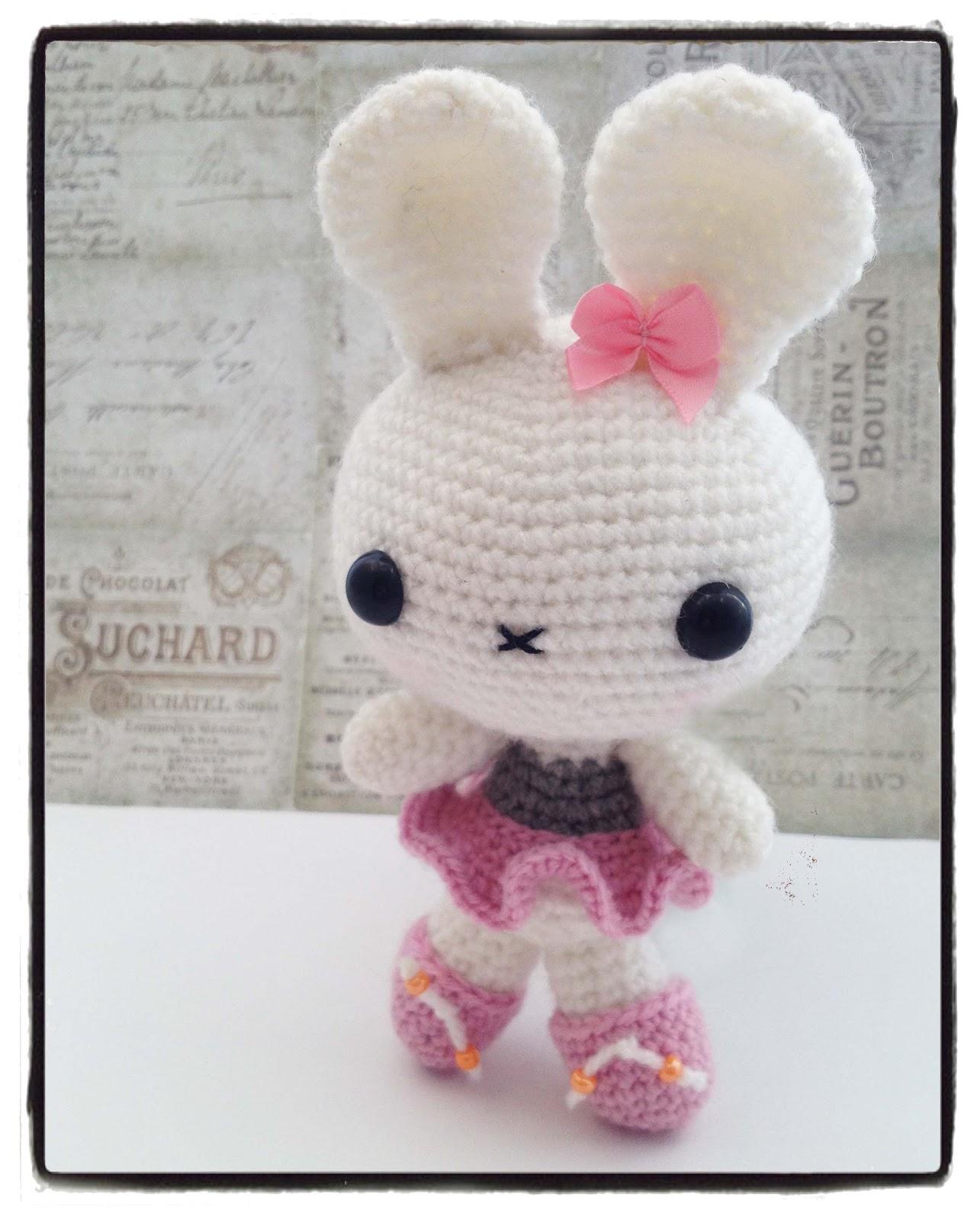 Crochet Amigurumi Blogs : Amigurumi Bunny - Kit and Clowder Online Colouring Classes