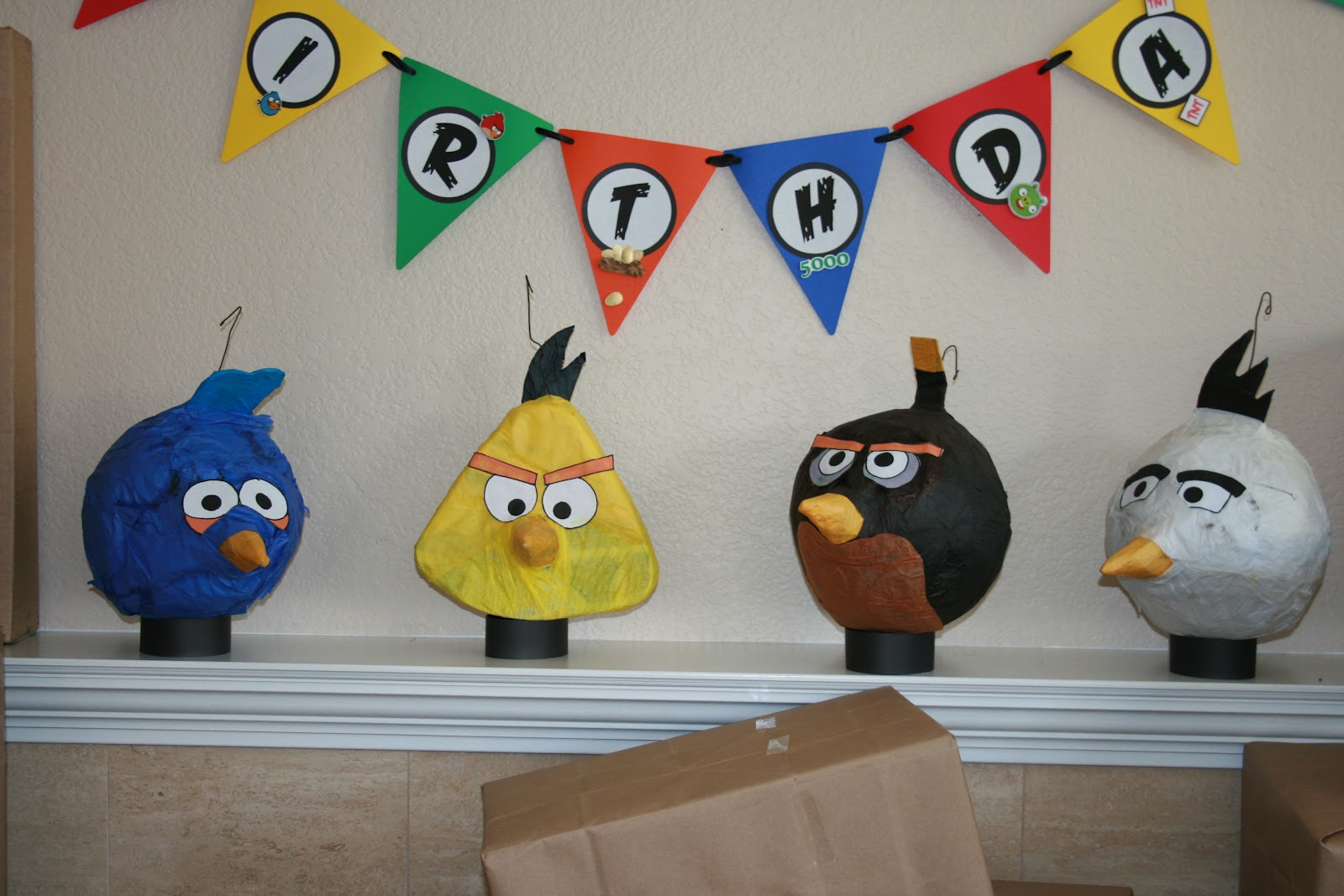 My creative ink angry bird party decorations for Angry bird decoration ideas