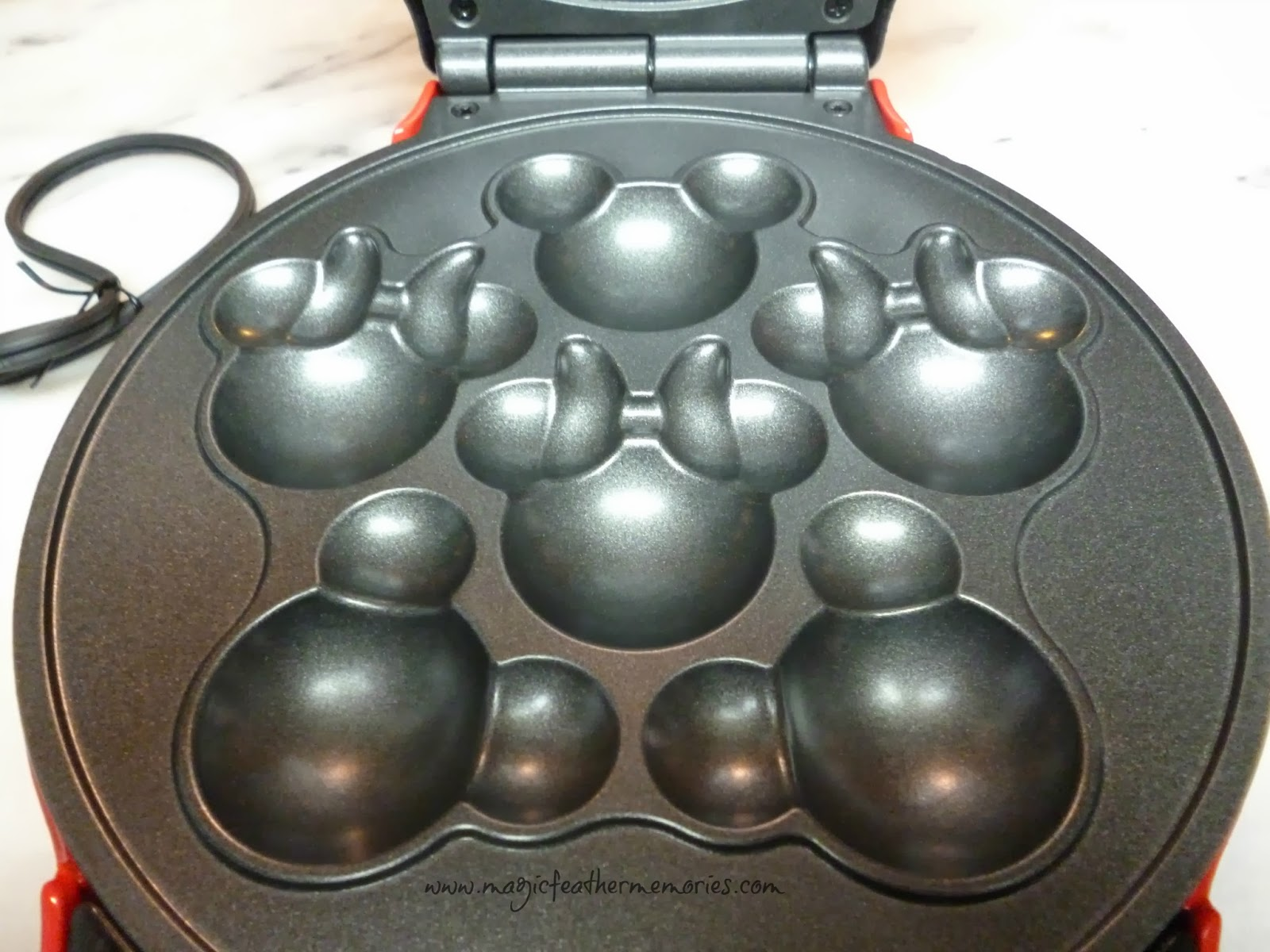 Disney Mickey And Minnie Cake Pop Pan Review