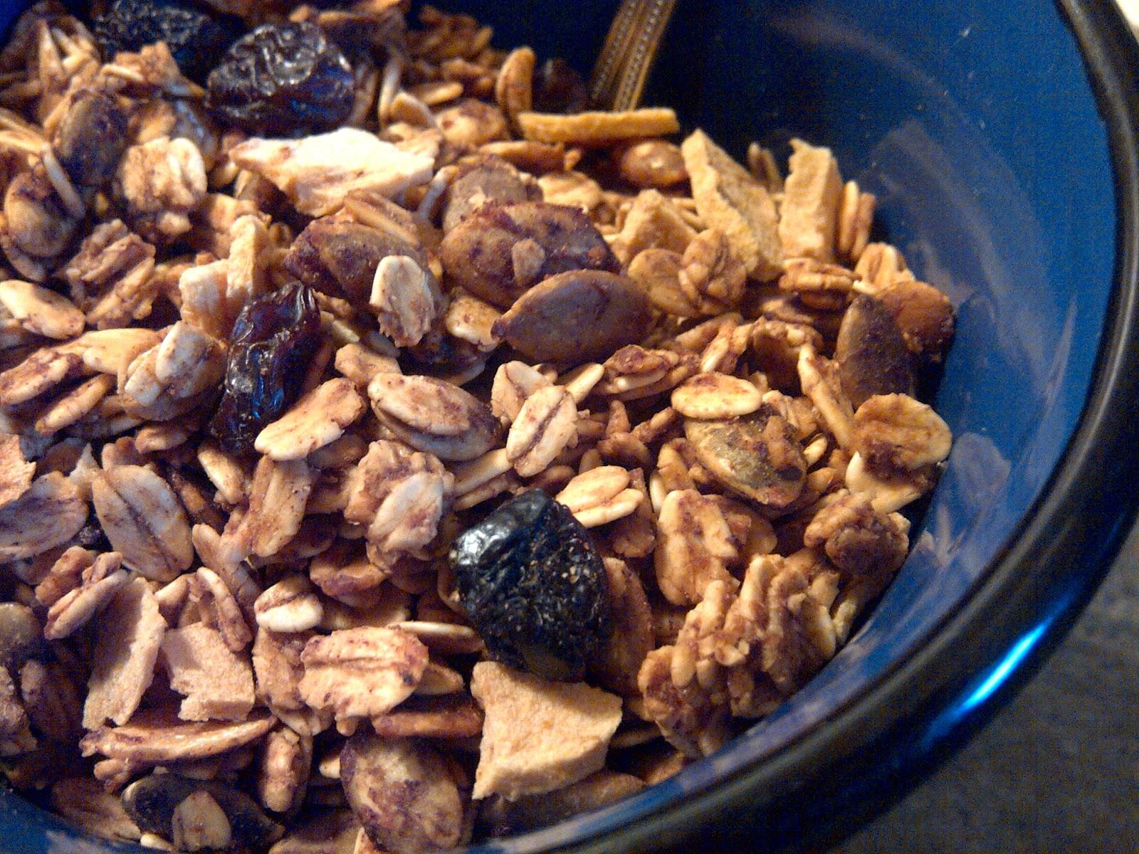 Soliloquy Of Food & Such: Apple Cinnamon Granola