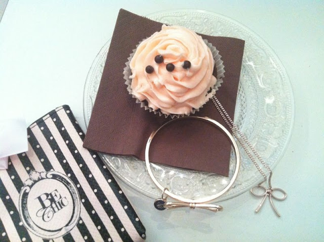 Be Chic bijoux jewellery Beauty Must Have Collection Collana con Fiocco Bangle con Fiocco That's bakery milano cupcake
