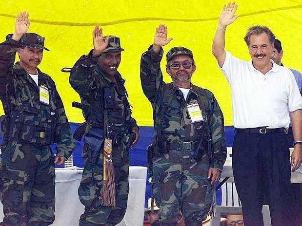 Caguan Pastrana y terroristas de las FARC