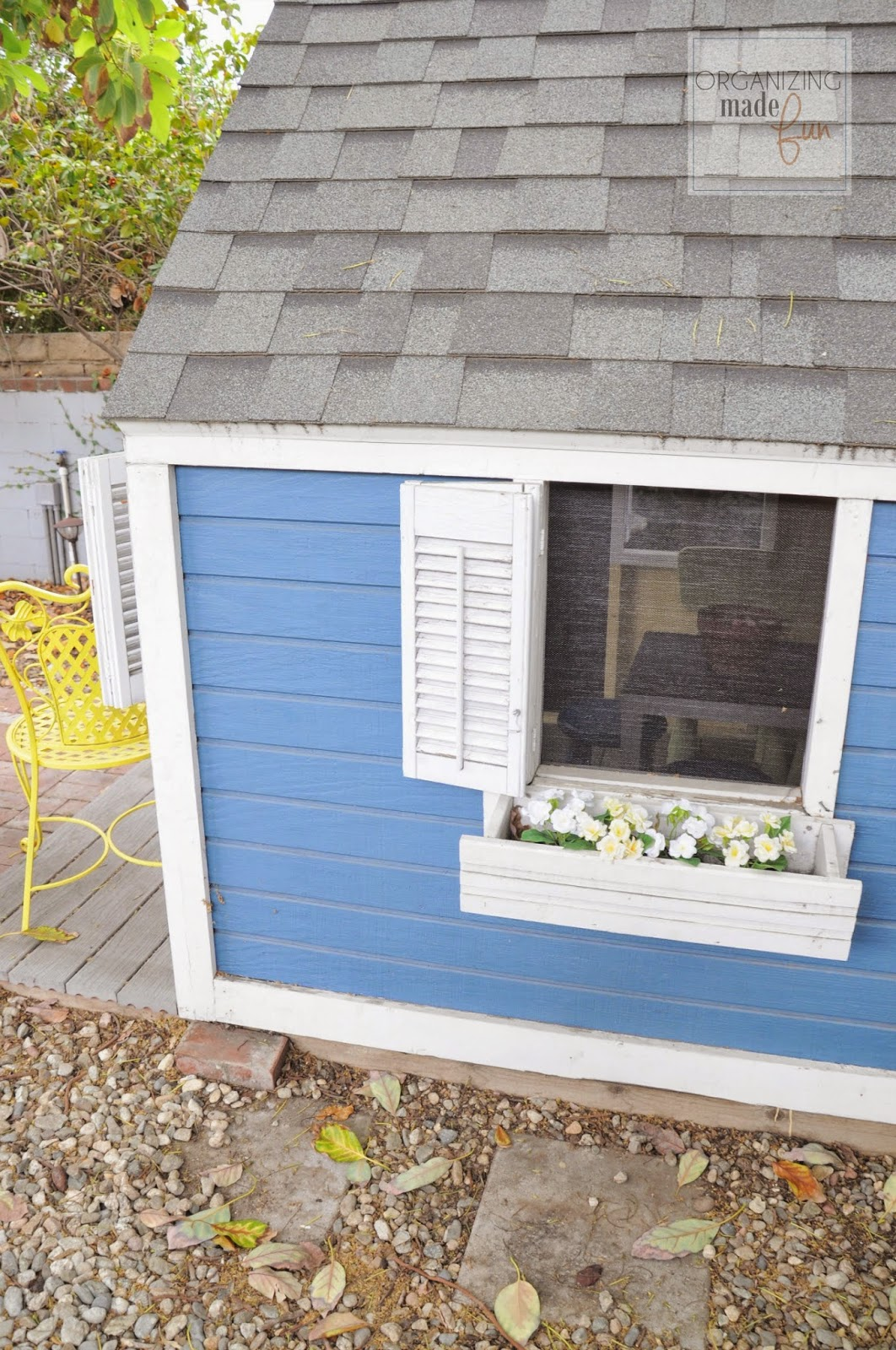 New screening on the playhouse windows :: OrganizingMadeFun.com
