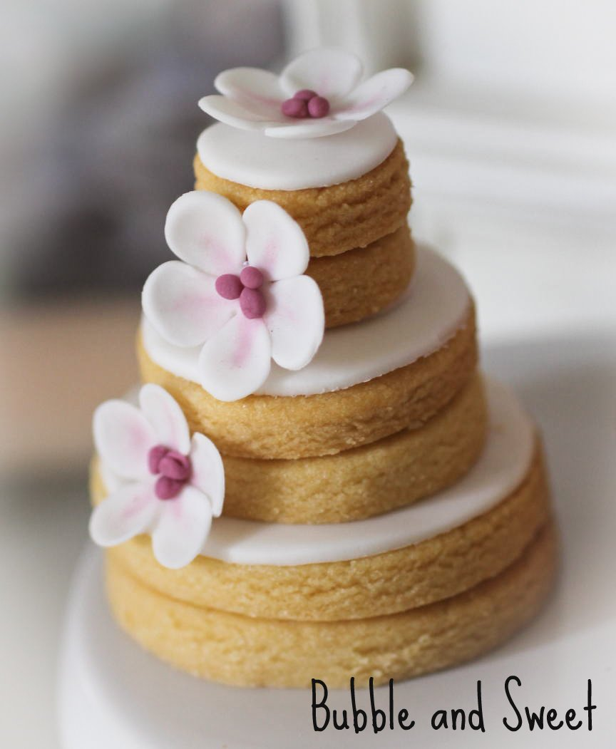 Stacked+cookis+weddng+cookies+bubble+and+sweet+fondant+butterfly+white+blossom