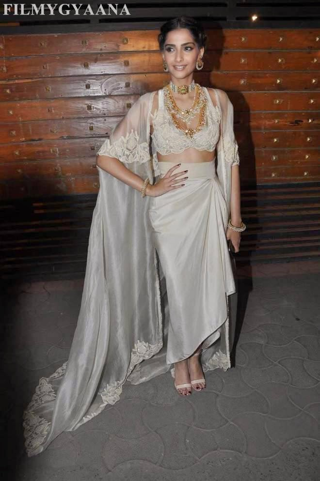 sonam kapoor latest hot photos