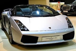 http://2.bp.blogspot.com/-OeB-x8sJxb8/UoDdFnYv64I/AAAAAAAANLY/RaHBNV0GOgU/s1600/lamborghini-gallardo-silver-front-cabrio2.jpg