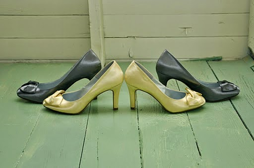 Matching bridesmaid's and bride's shoes - Kent Buttars, Seattle Wedding Officiant