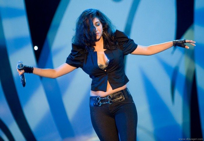 Neha Bhasin Hot Pics