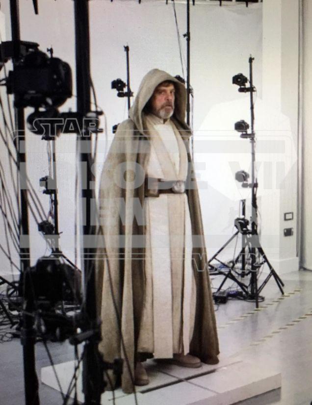 luke+skywalker+the+force+awakens