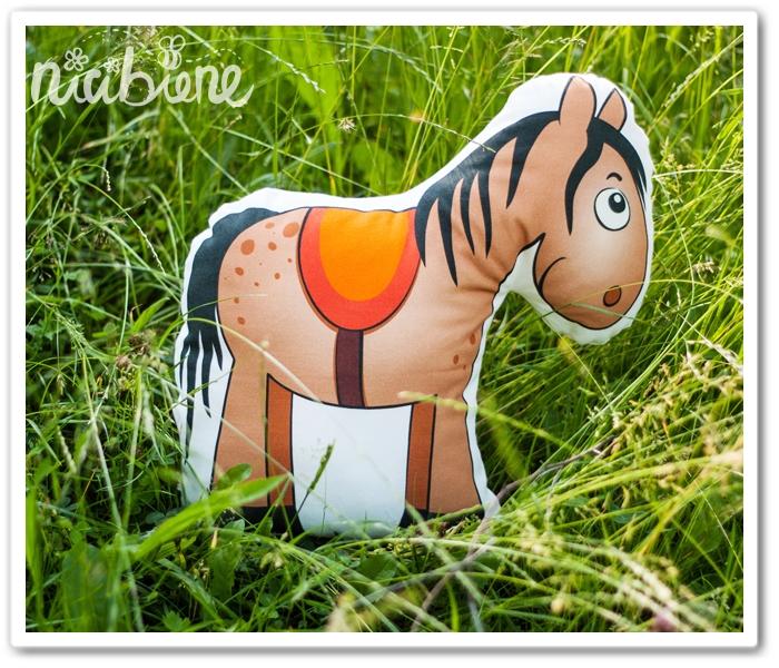 nähset, nicibiene, pony, Pferd
