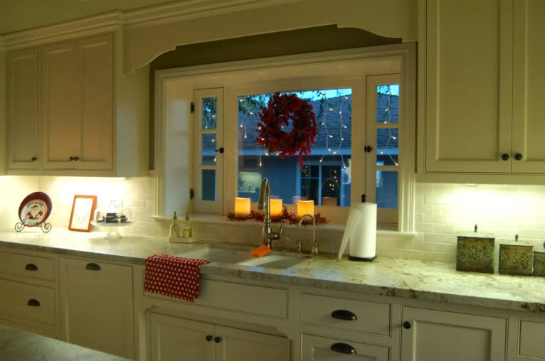 Restyle home staging white kitchen cabinets are not for for Benjamin moore linen white kitchen cabinets