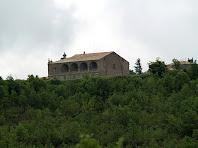 Detall de la façana nord de l'església de Santa Maria del Miracle