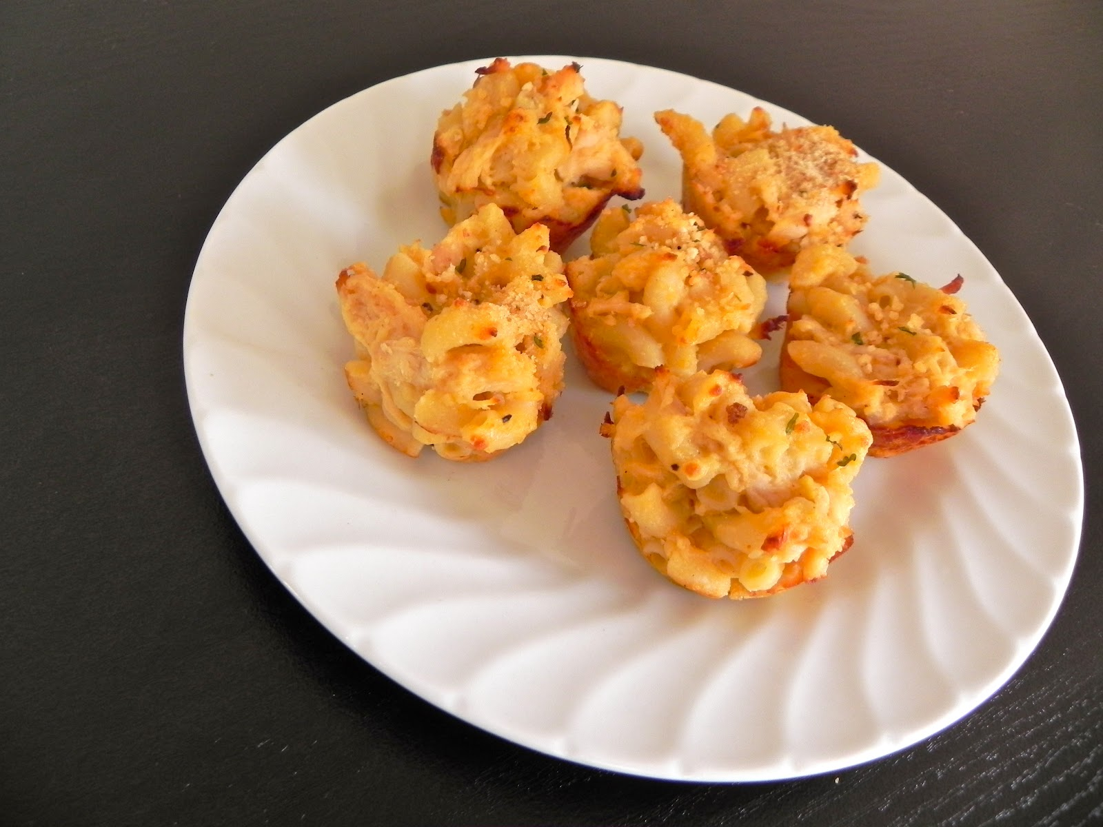 Emma Clare Eats: Buffalo Chicken Mac N' Cheese Bites