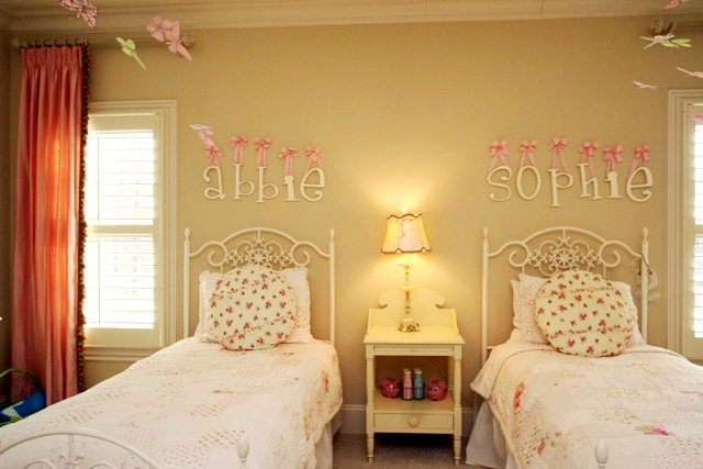 Wonderful Exceptionnel Pink Bedrooms For Little Girls. Bon Jolins Photos And Stories Beautiful  Room Friday Whimisical