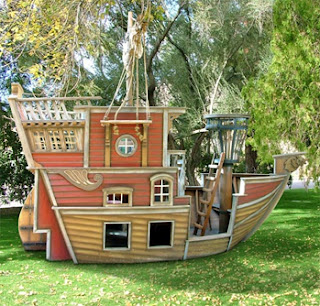 Playhouse Cottage-ship