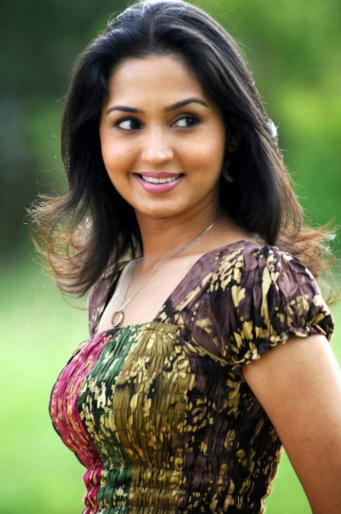 Gajala Hot Photos | Gajala Spicy Stills Gallery | Hot Aunties Girls