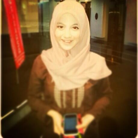 Foto Nabila JKT48 Pakai Kerudung/Jilbab Terbaru