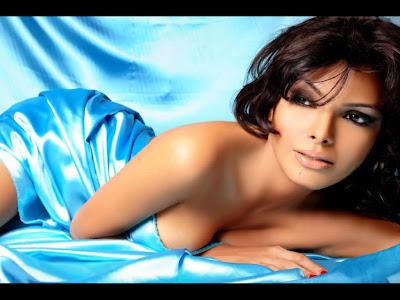 Sherlyn Chopra Topless Bikini Pics