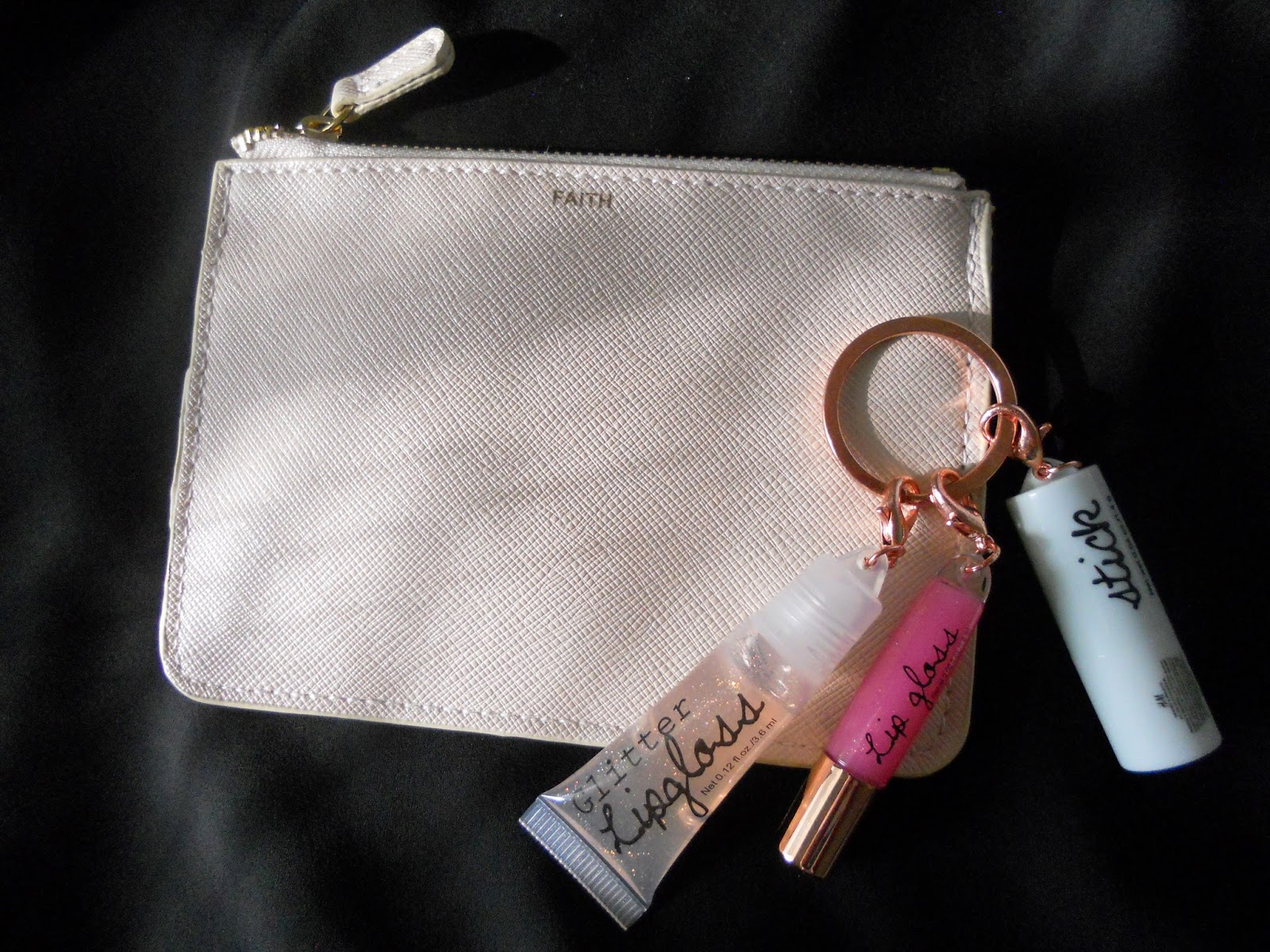 cheap, celine look a like, lookalike, faux leather at a good price, faith bag, simple, lip gloss keychain, hm lipgloss