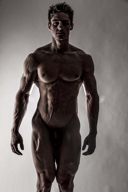 Nude ppl