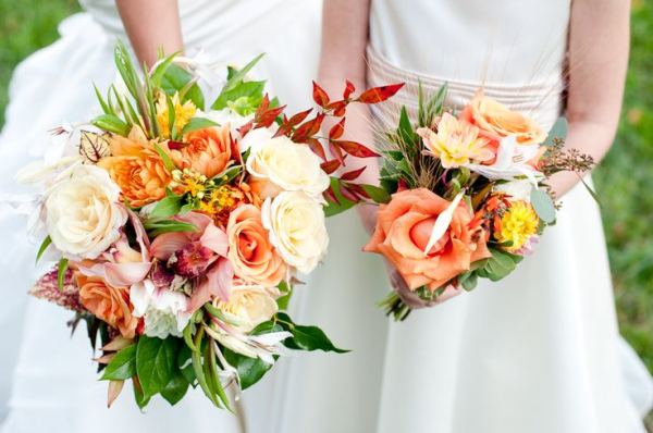 pink and orange fall wedding bouquets