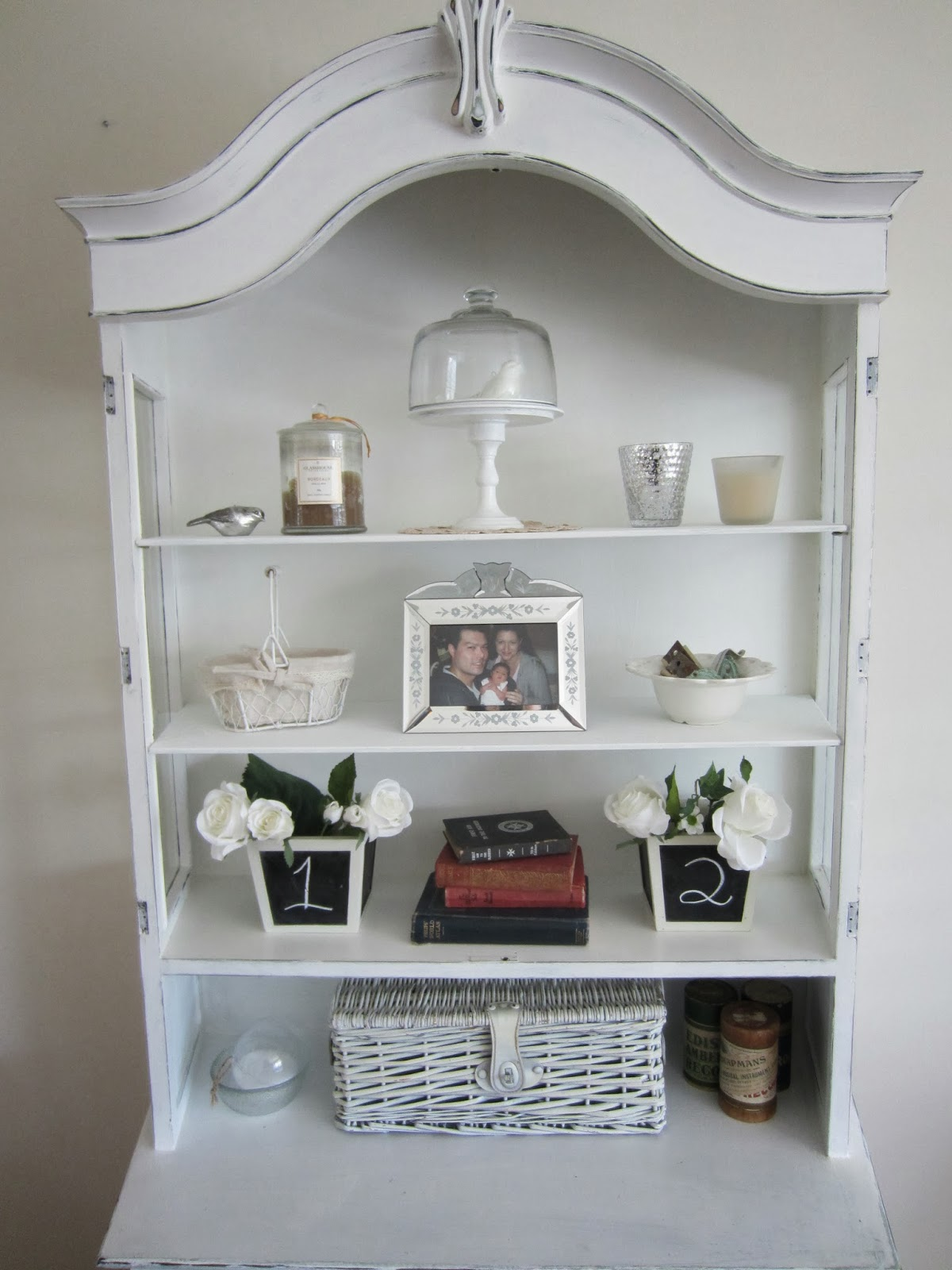 Dining room display cabinet restyled for christmas for Dining room display cabinets