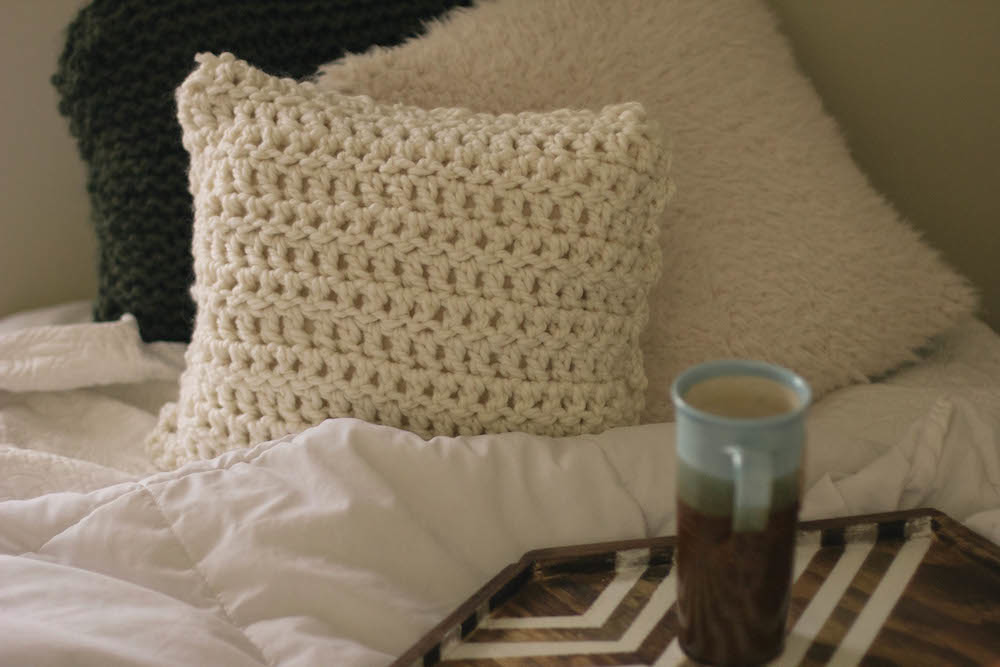 Crochet Pillow Patterns : always rooney: Learn To Crochet: Pillow Pattern