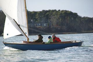 Meander sailing downwind
