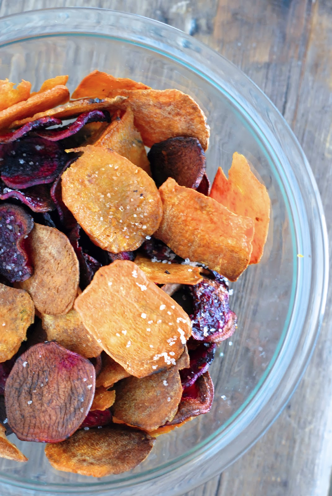 ve been wanting to make beet chips for a while now. so here they are ...